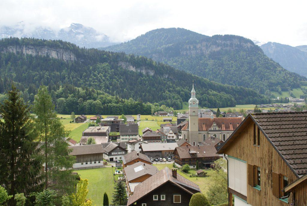 Blick auf die österreichische Gemeinde Bezau