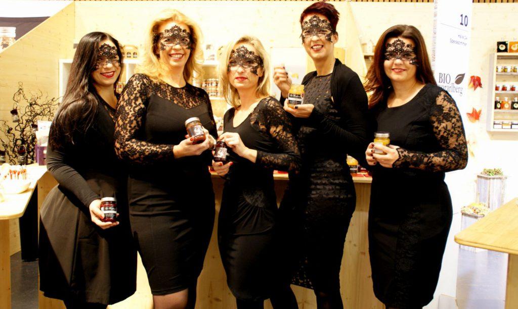 Süße Früchtchen - Die fünf Powerfrauen von La Konfitessa kochen leckere Fruchtaufstriche ein