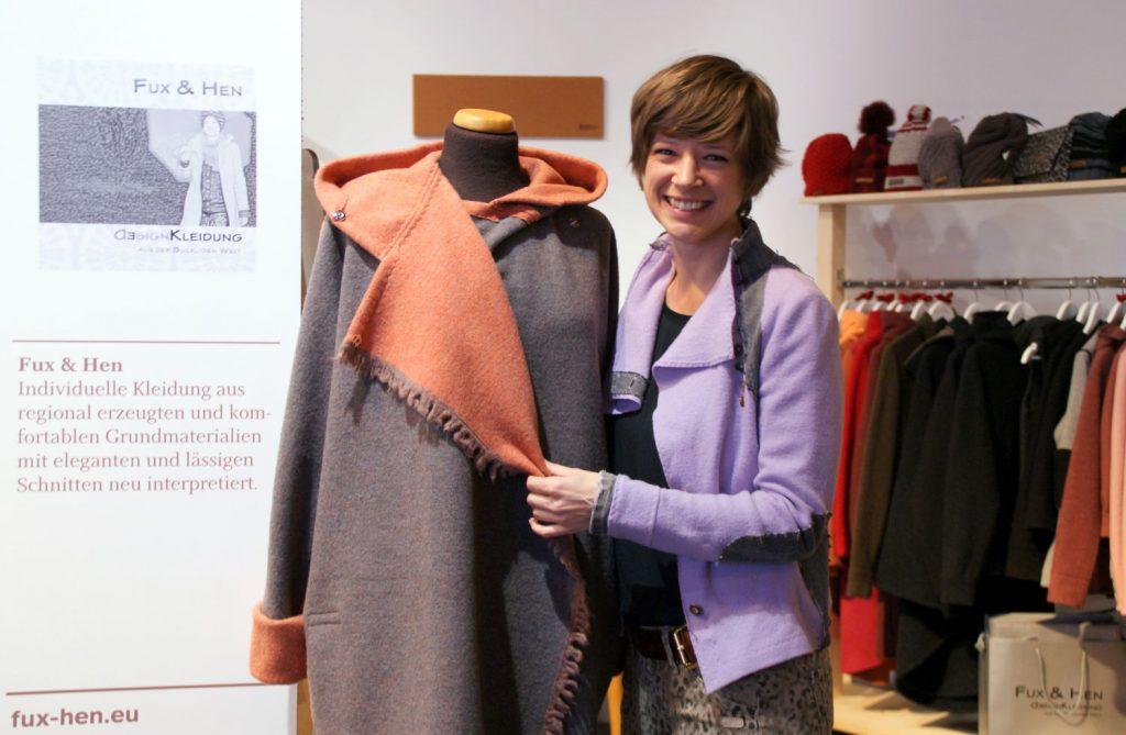 Designerin Eva Pfneisl macht den Lodenstoff wieder salonfähig.