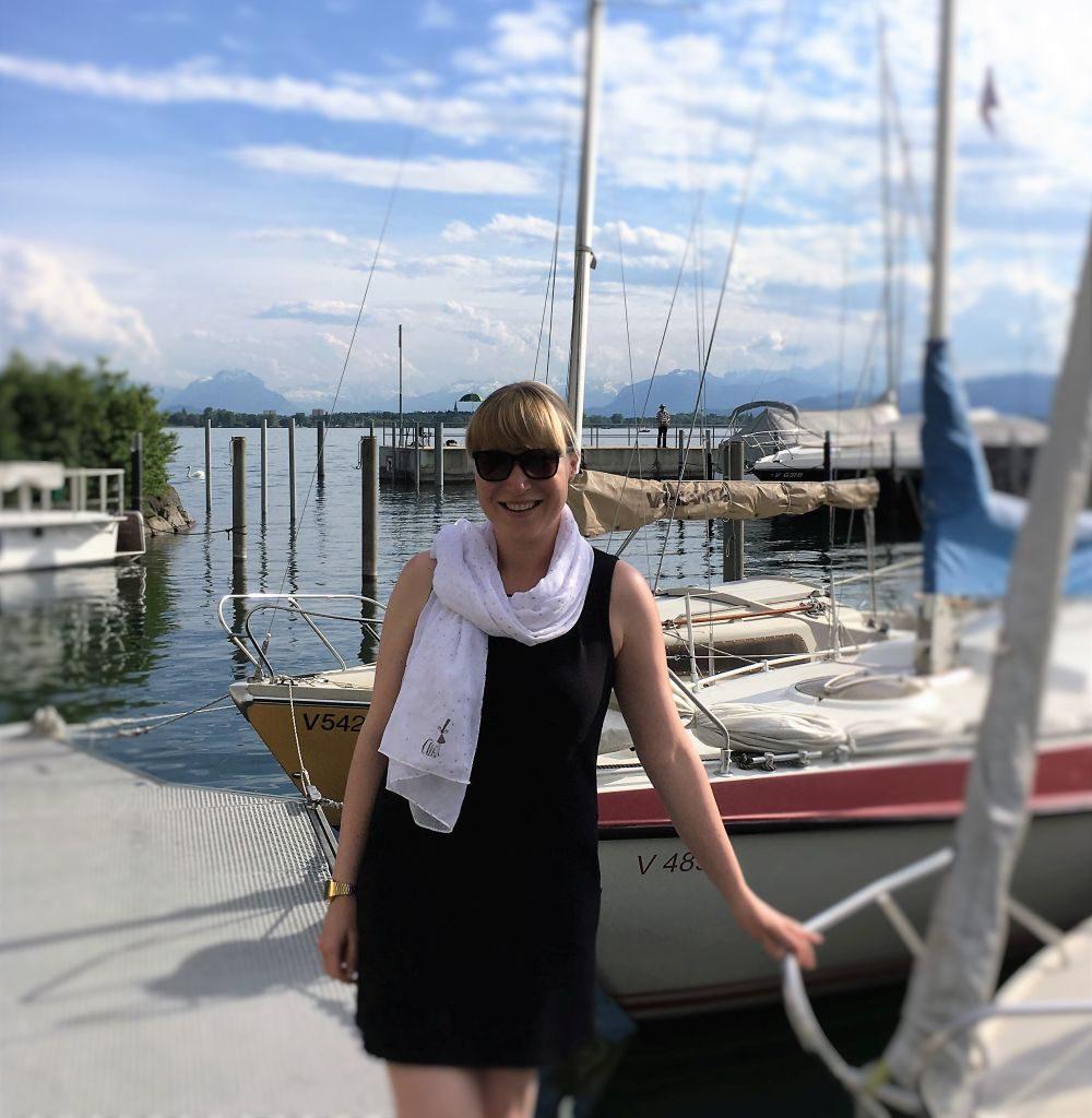 Mit dem Halstuch schaffe ich mir ein Stück Bretagne am Bodensee