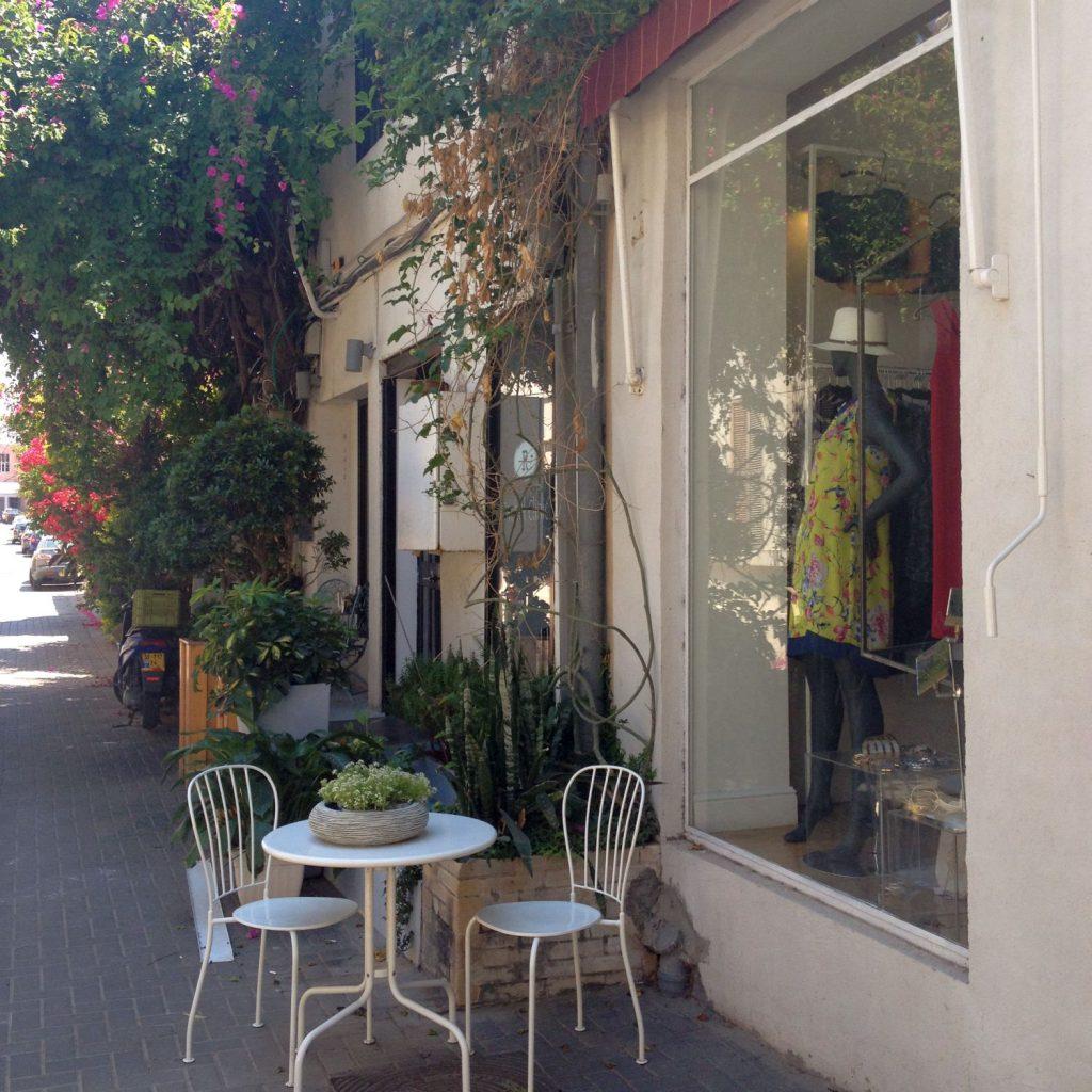 Viele kleine Boutiquen und Läden locken mit individuellem Design