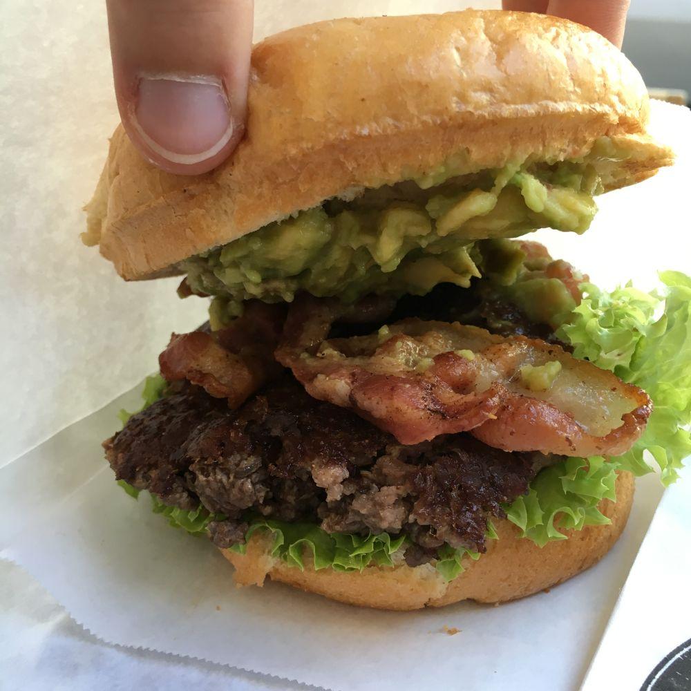 Meine Wahl: der Avocado Burger. Yummy!