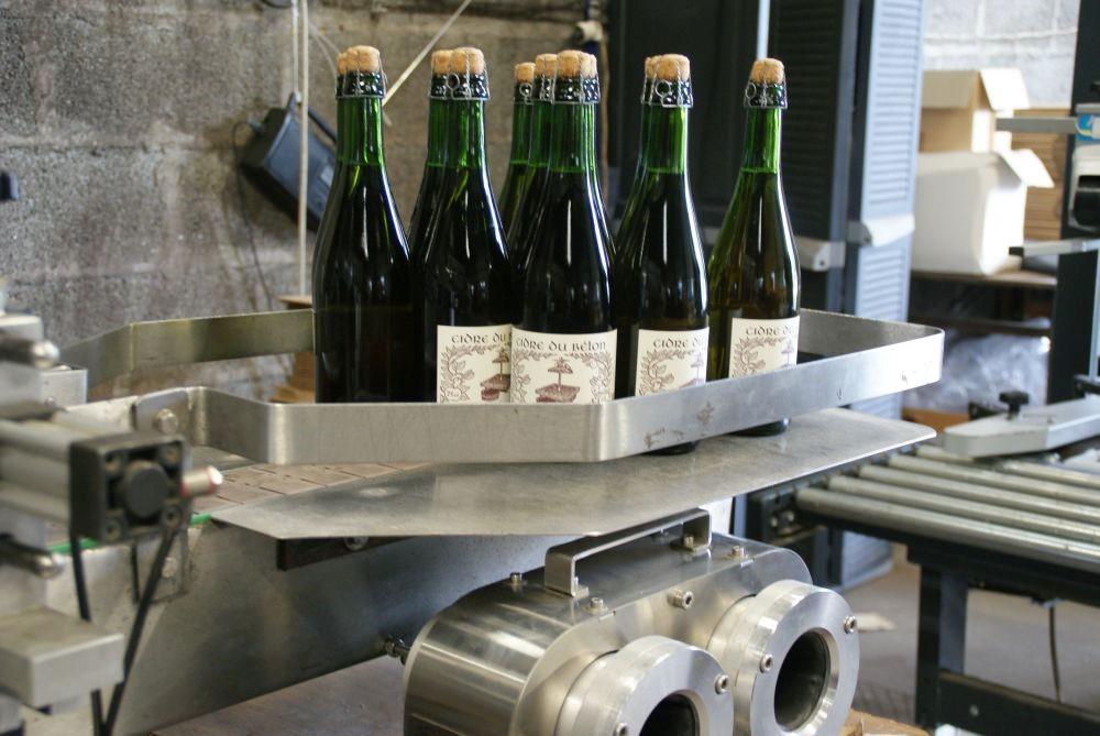 Le pressoir du Belon - ein paar der Flaschen landen in meinem (noch leeren) Kofferraum...