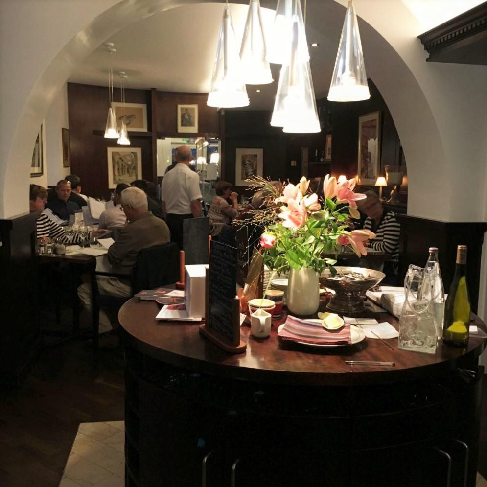Abendessen im Lieblingsrestaurant von Kommissar Dupin: das L'Amiral in Concarneau.